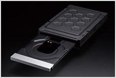 圧倒的なディスク読み取り精度と重量級静音制振ドライブメカニズム搭載